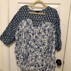 New Directions Blue and White Split Print Blouse